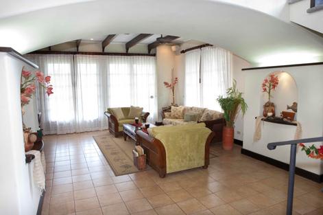 Villa for rent in Hacienda Pinilla