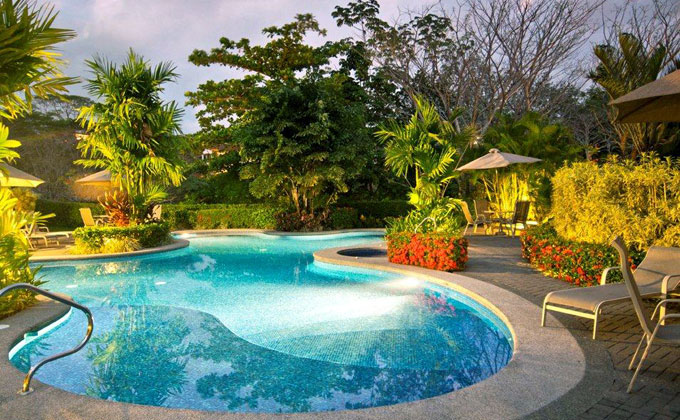 Charming veranda condo in los suenos for Vacation homes for rent in costa rica