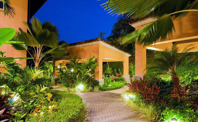 Charming veranda condo in los suenos for Luxury rental costa rica