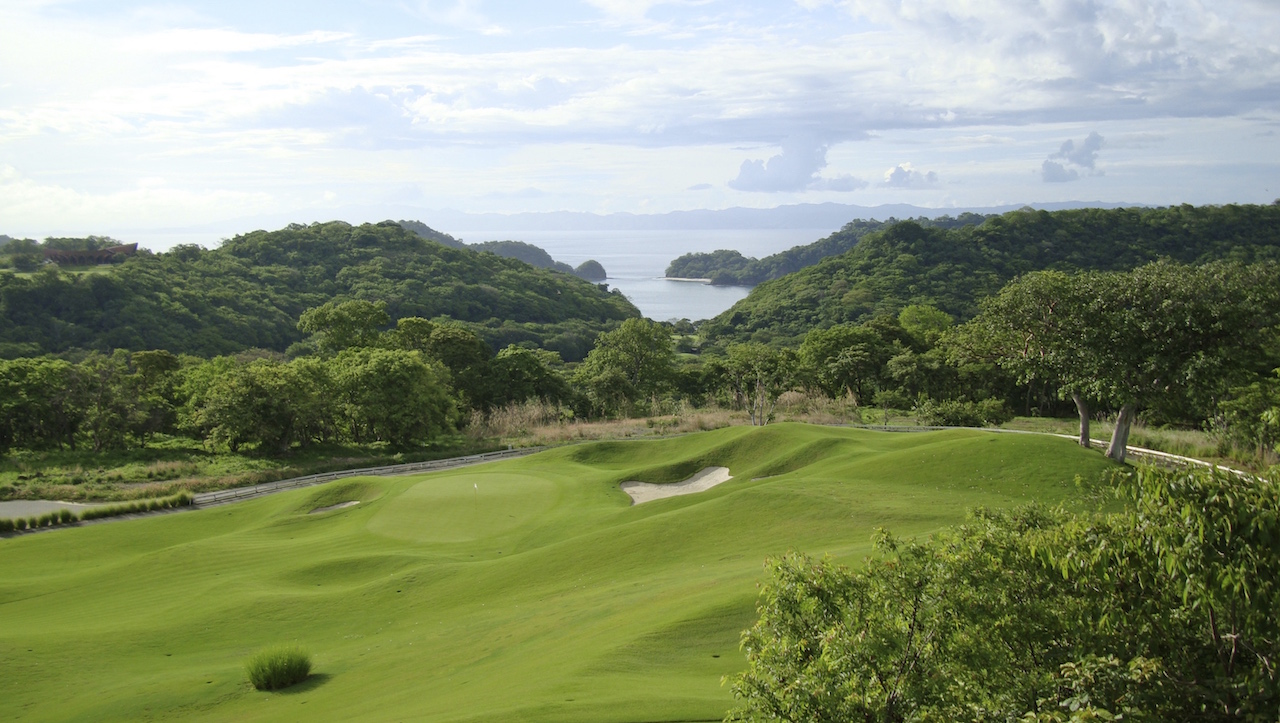 golf course at peninsula papagayo