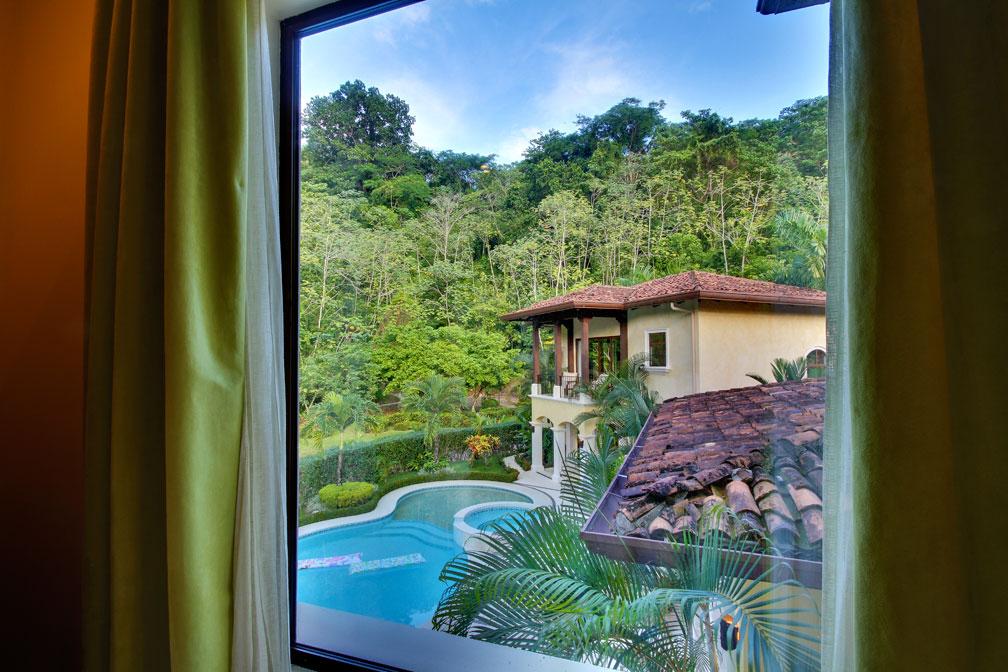 Casa tropical in los suenos eco golf estates palms costa for Vacation home rentals in costa rica