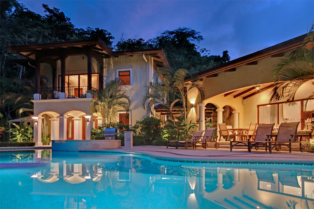 Casa tropical in los suenos eco golf estates palms costa for Luxury rentals in costa rica