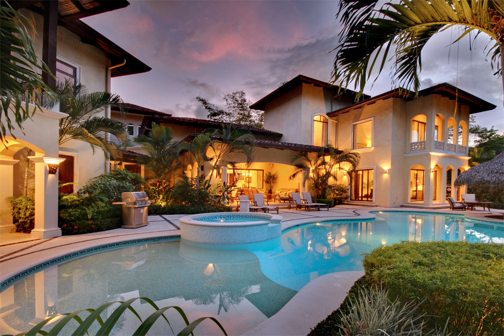 Casa tropical in los suenos eco golf estates palms costa for Luxury vacation costa rica
