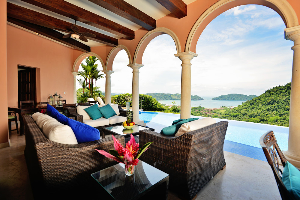 luxury rental los suenos