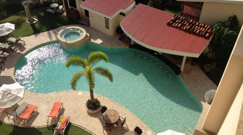 pool at jaco condo