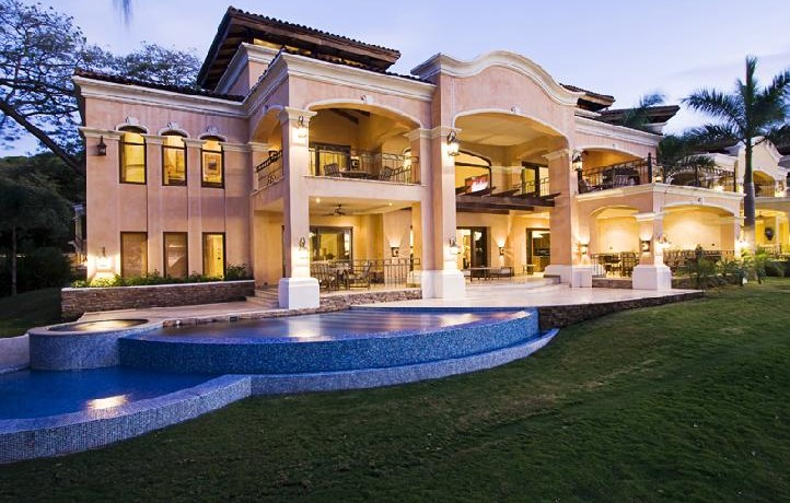 Exquisite luxury home on playa flamingo guanacaste costa for Costa rica luxury homes for sale