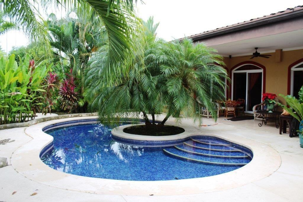 Casa Delfin Beach Home in Playa Bejuco