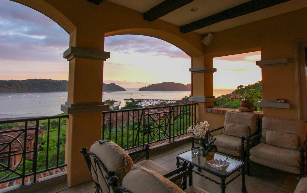 Prestigious Marbella Residence with Awe-Inspiring Panoramic Views