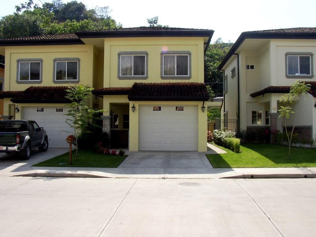 Peaceful Townhome in Jaco Gated Community