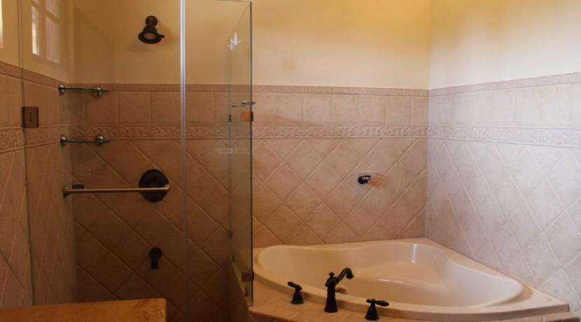 JPR221-Bathroom1