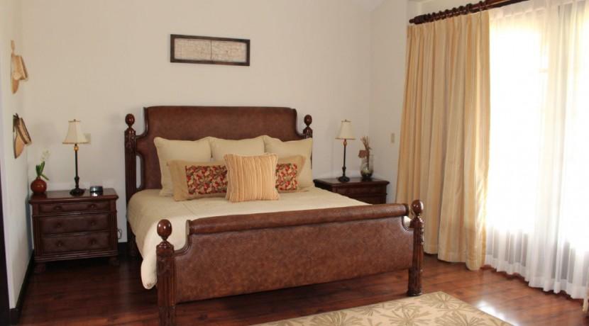JPR221-Bedroom1