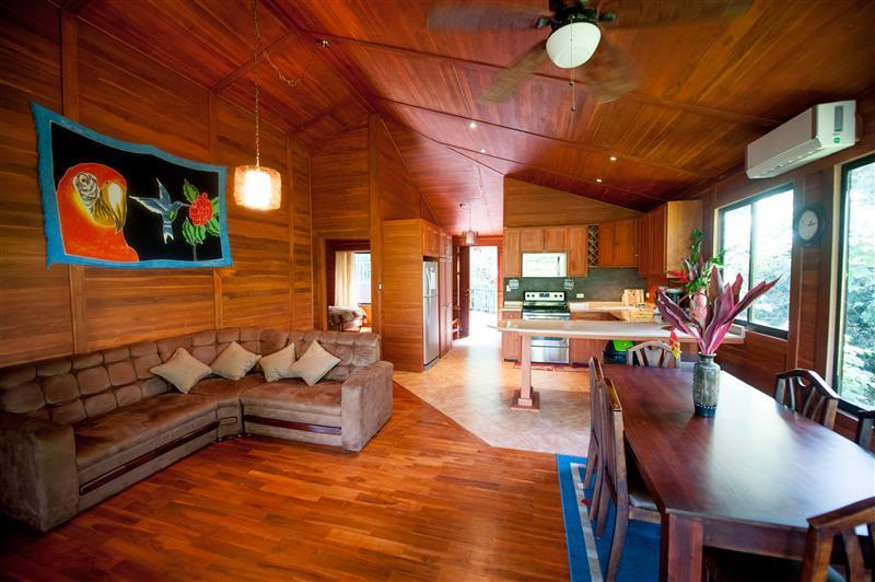 Casa Macaw – Lovely Costa Rica Vacation Villa in Manuel Antonio