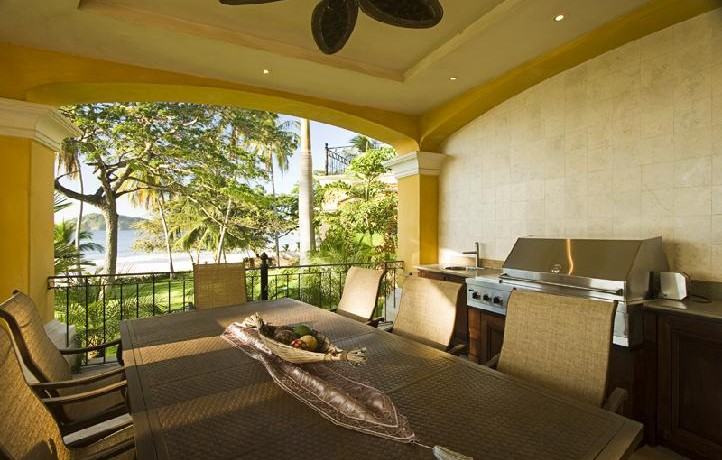 Exquisite luxury home on playa flamingo guanacaste costa for Luxury homes for sale in costa rica