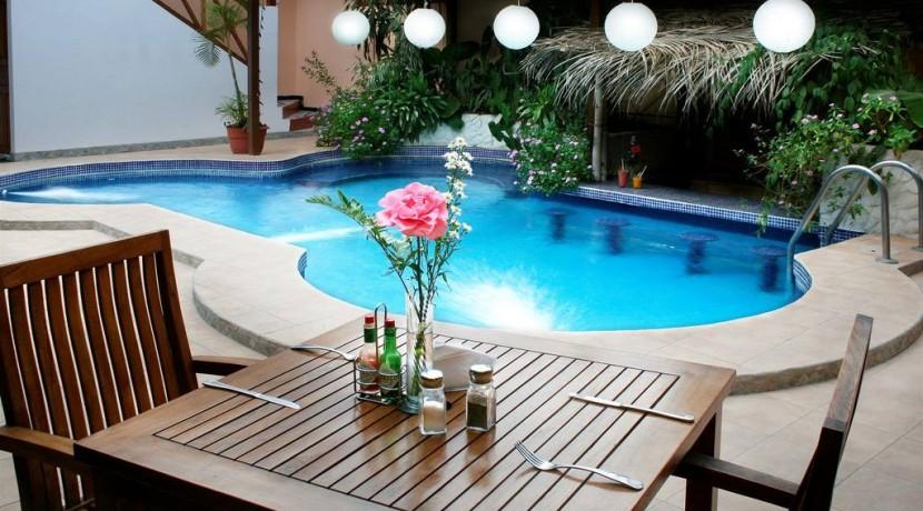 pool-daytime.jpg.1024x0