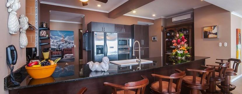 Palms801 kitchen bar