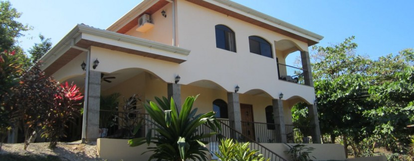 exterior of costa rica beach house for sale
