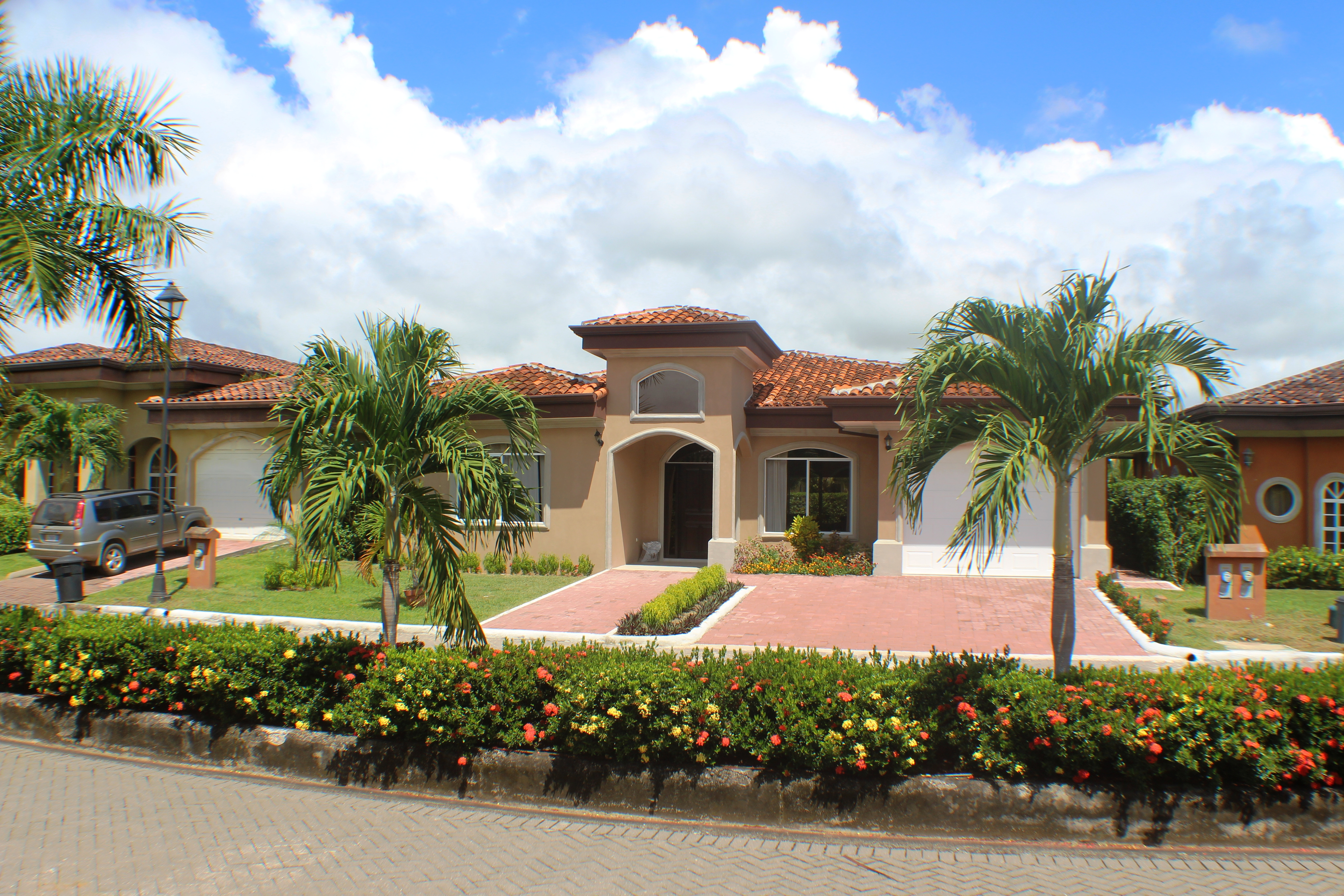 Brand New Home with Pool in Bejuco Beach