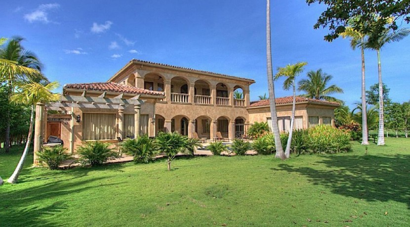 exterior of casa el tesoro hacienda pinilla