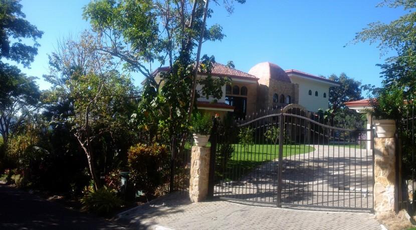 Casa-Ceiba-Gate-Los-Suenos (1280x797)