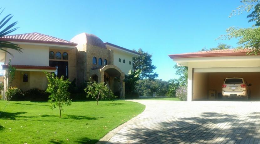 front exterior luxury villa los suenos (1280x599)