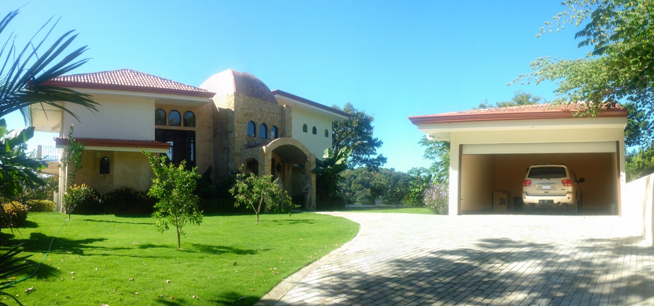 Luxury ocean view villa for sale in los suenos costa for Luxury homes for sale in costa rica