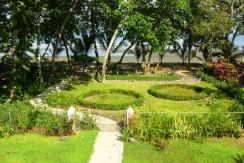 Beautiful Tambor Beach home Garden