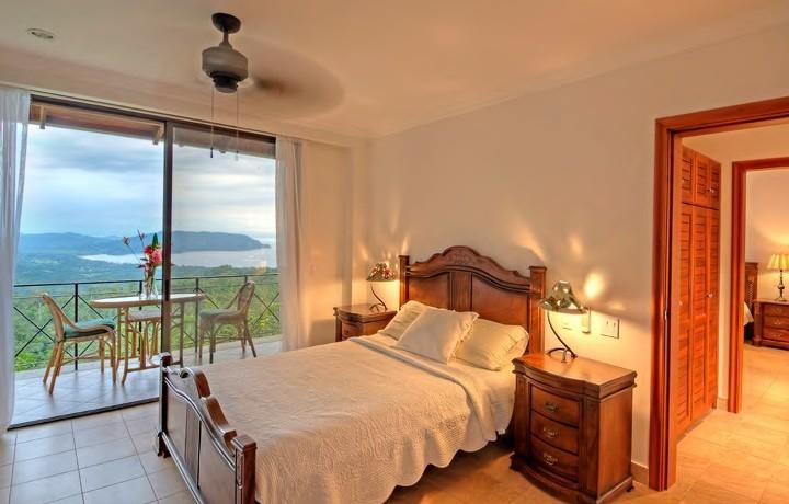 bedroom of tambor property
