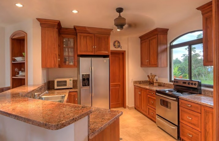 kitchen of tambor property for sale