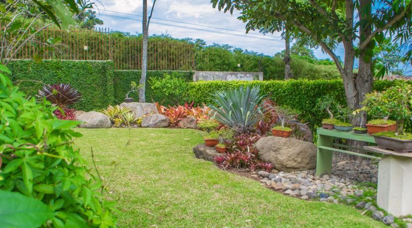 Cabernet Garden