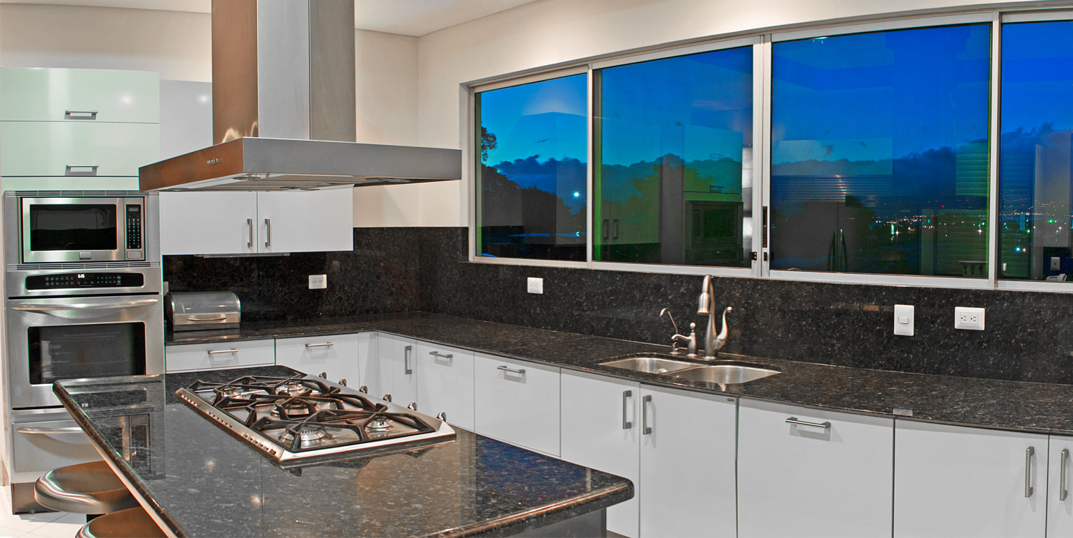 Great contemporary multi level kitchen costa rica real for Multi level homes for sale