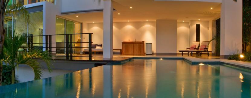 Jewel House Pool and Terrace