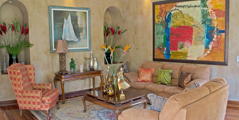 Mountain eklezion living room costa rica real estate for Mountain living
