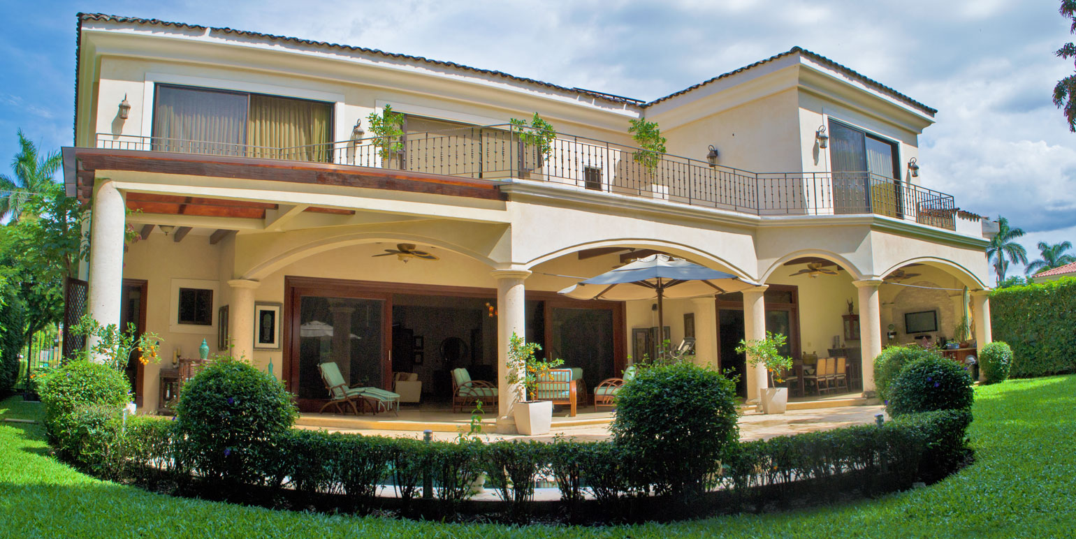 The glorious house back costa rica real estate for Luxury homes for sale in costa rica