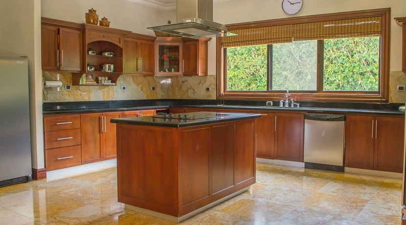 The Glorious House Kitchen