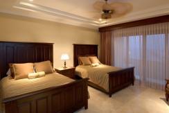 bedroom 2 (1024x642)