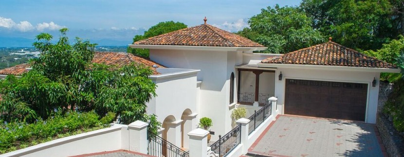 front view costa rica luxury home