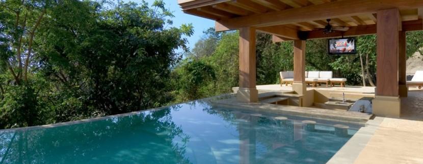 pool area 2 (1024x641)
