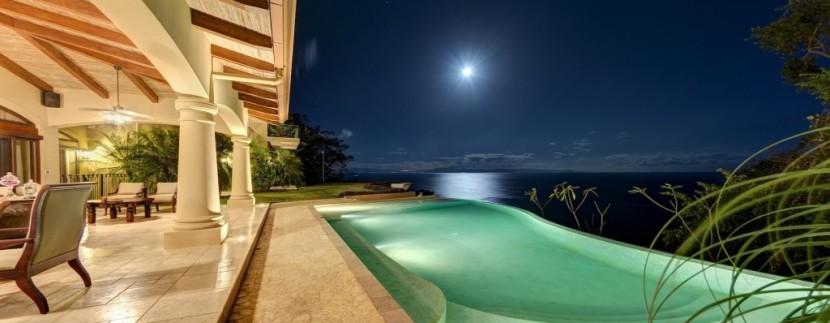 pool at night (1024x657)