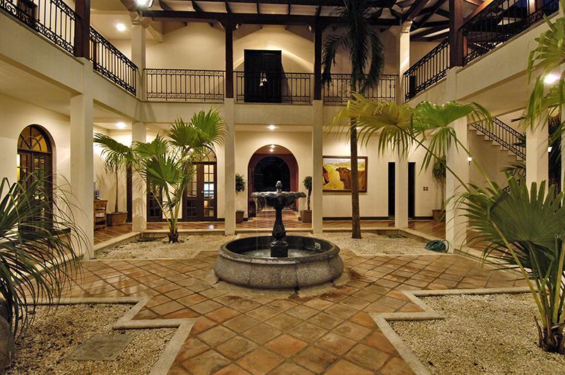 Luxurious Private Equine Estate in Hacienda Pinilla – Casa Rancho