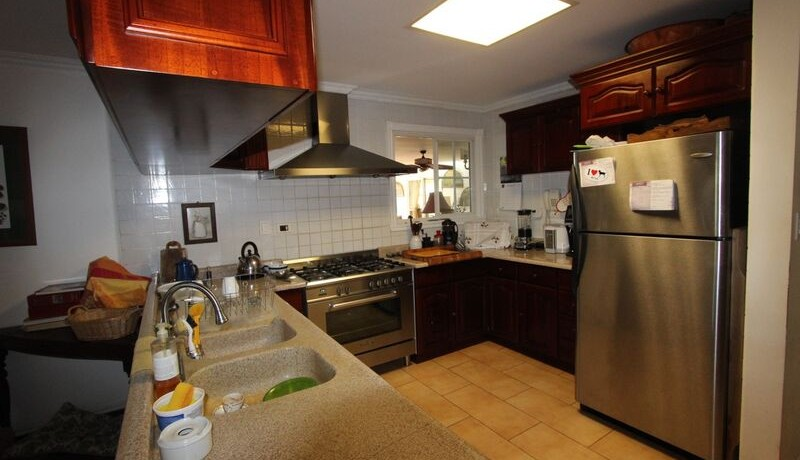 kitchen-of-home-for-sale-in-tamarindo
