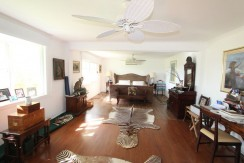 master-bedroom-estate-home-in-tamarindo