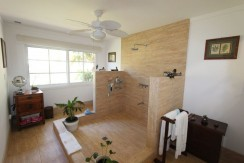 shower-at-estate-home-in-tamarindo