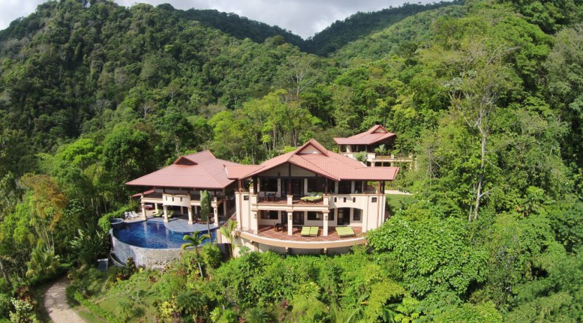 Areal View of luxury retreat in dominical