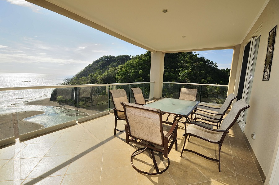Ocean Front Condo at Breakwater Point in Jaco, Offering Panoramic Views