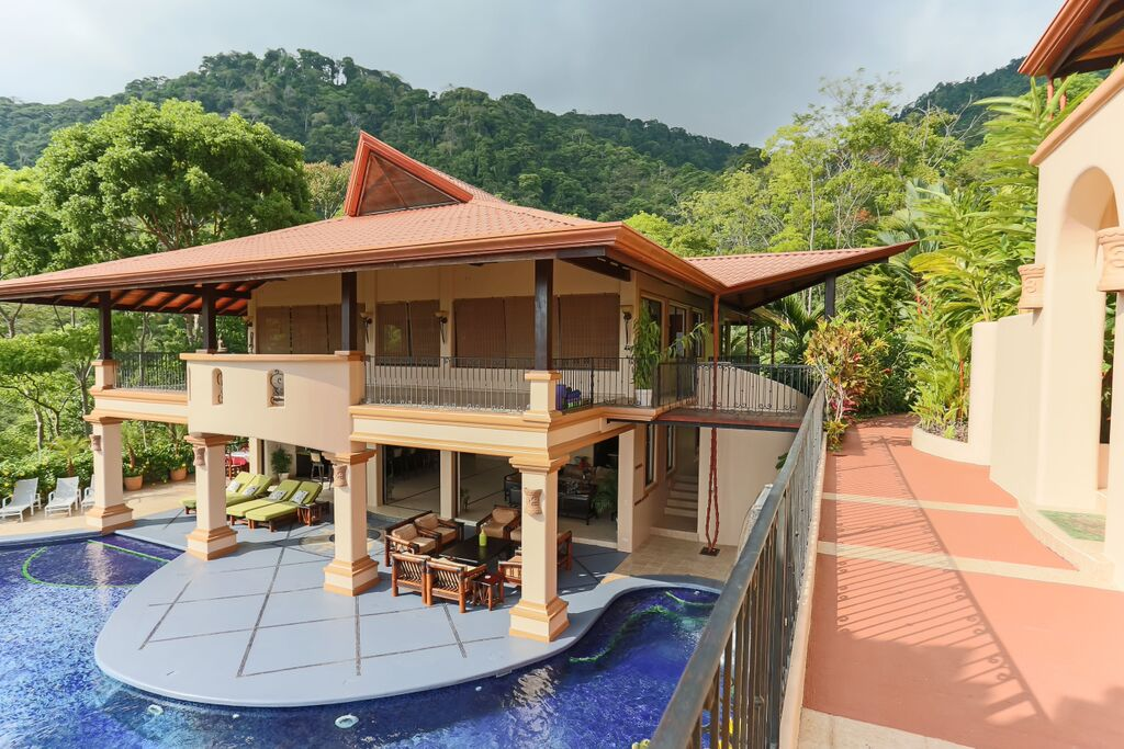 Luxury estate villas and yoga retreat in dominical for Luxury villas in costa rica
