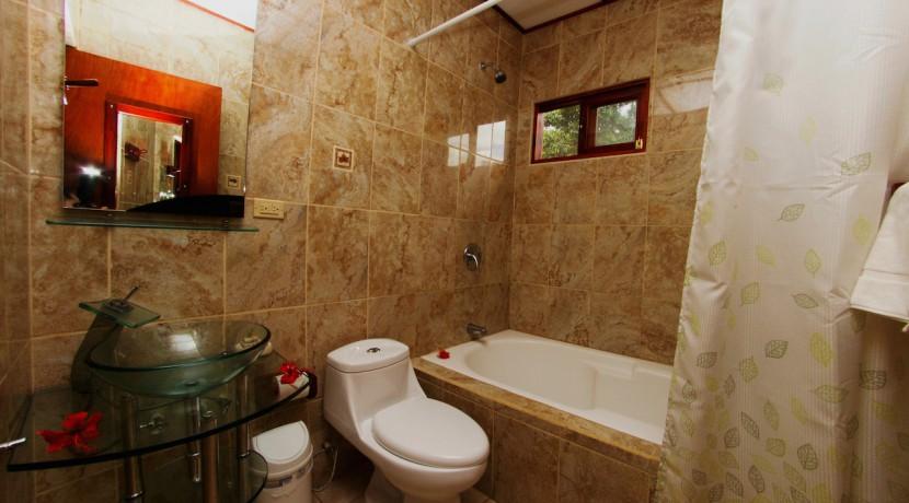 Hotel La Rosa de America Superior Bathroom