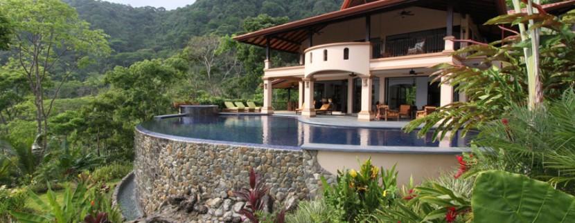 luxury villas in dominical