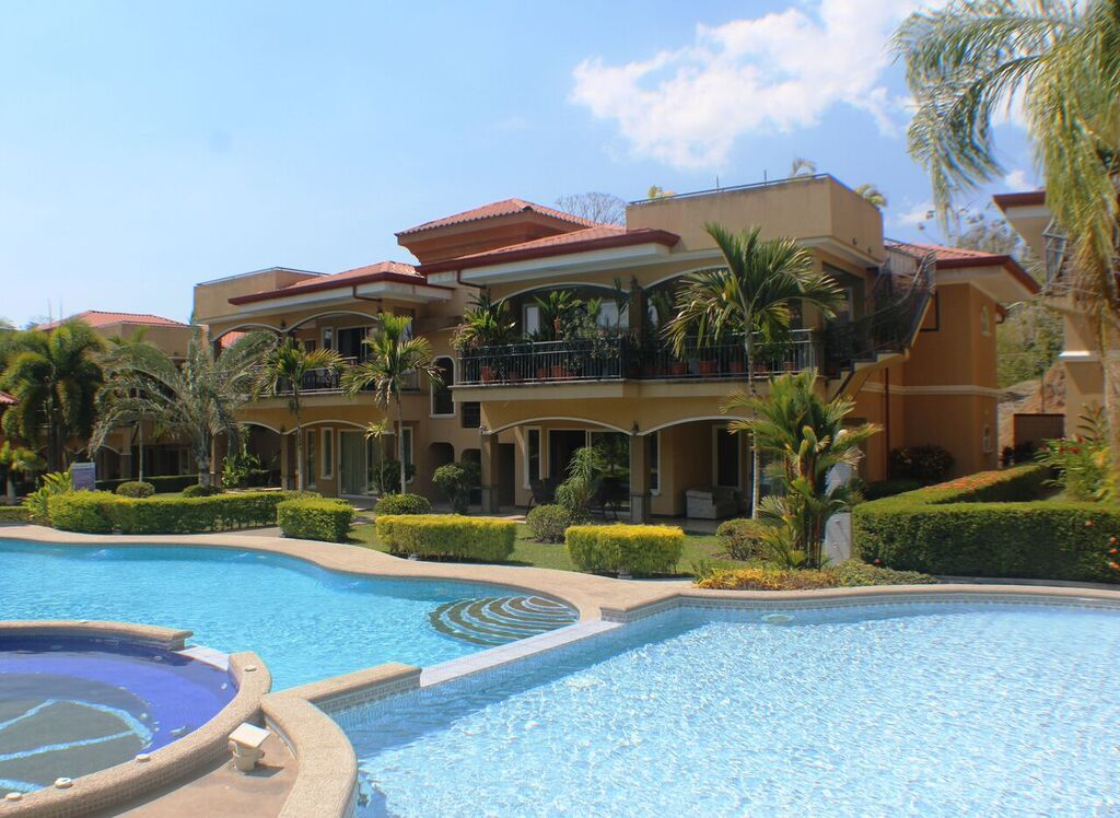 Pacific Sun Estates – Well Appointed and Spacious Condo in Herradura