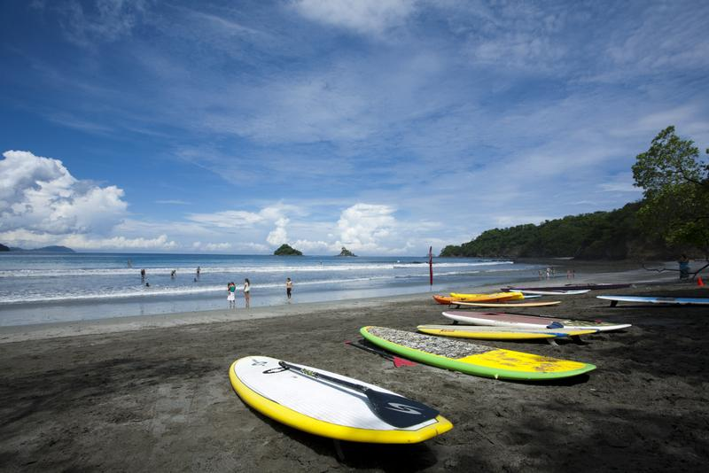 paddle-boards-on-beach-ra-sup-challenge-4019
