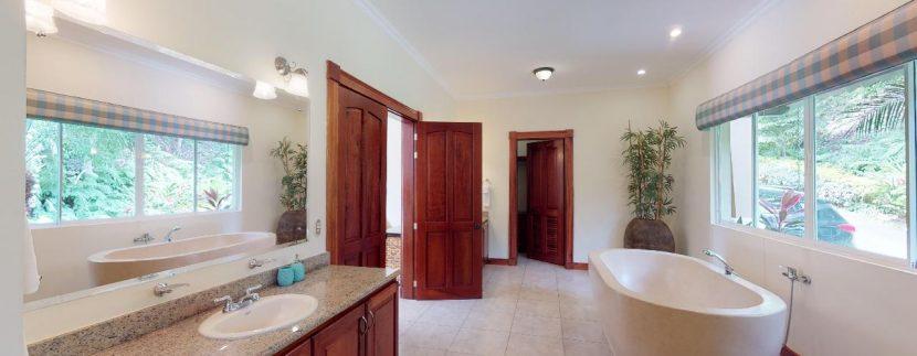Casa-Pacifica-copy-Master-Bathroom